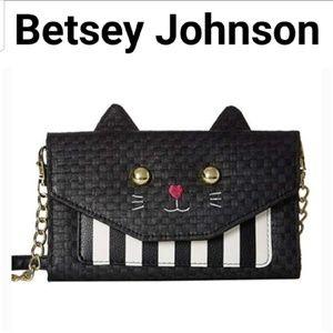 🆕️NWT. BETSEY JOHNSON Cat Crossbody Wallet!